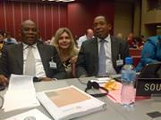 Reencuentro con el diputado de Sudáfrica Mr. Ramatklane, con quien trabajamos juntos en Uganda el año pasado.
