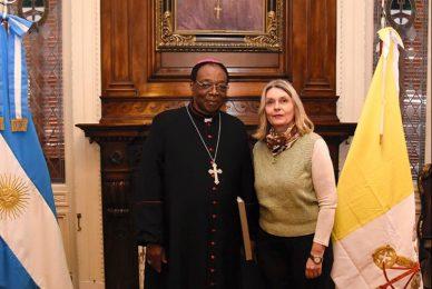 Encuentro con el representante pontificio del vaticano