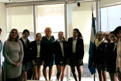 Con las estudiantes argentinas premiadas por la Nasa
