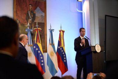 Con el presidente encargado de Venezuela
