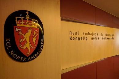 Carta de agradecimiento por buque Ara San Juan de parte del embajador de Noruega