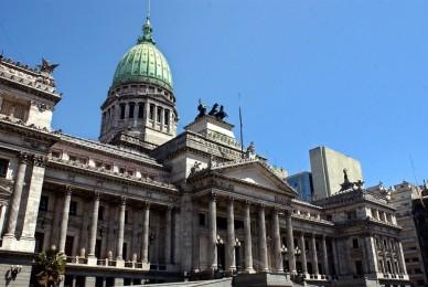 LA NACIÓN 3/6/2018 Aborto: en medio de una gran paridad, 30 diputados indecisos definen la ley