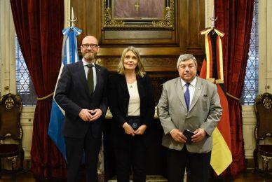 Con el secretario de Estado de Defensa alemán